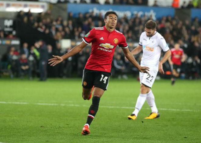 """Swansea - MU: Hai """"phát đạn"""" từ một người hùng (Vòng 4 League Cup) - 1"""