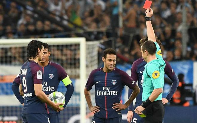 Neymar như Vua ở PSG: Ligue 1 ra tay, cân nhắc tăng nặng án treo giò - 1