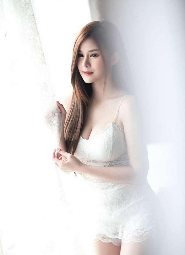 Tinh khôi và mong manh là sắc màu trắng.