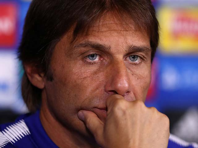 Chelsea thua thảm: Conte ân hận bán Matic cho MU, nguy cơ đụng Barca ở C1