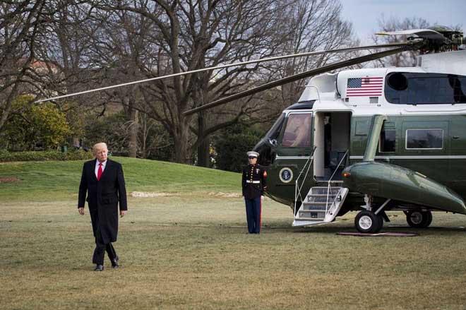 Trực thăng Marine One của ông Trump đang ở Việt Nam có gì đặc biệt? - 1