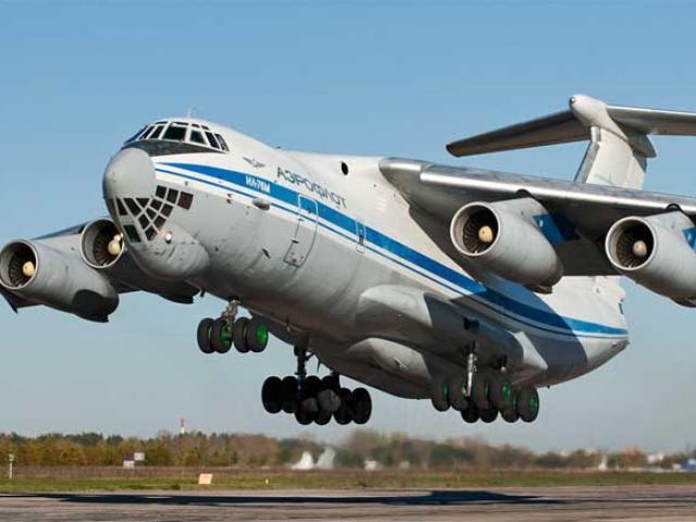 Vận tải cơ khổng lồ Nga đưa 40 tấn hàng viện trợ đến Việt Nam