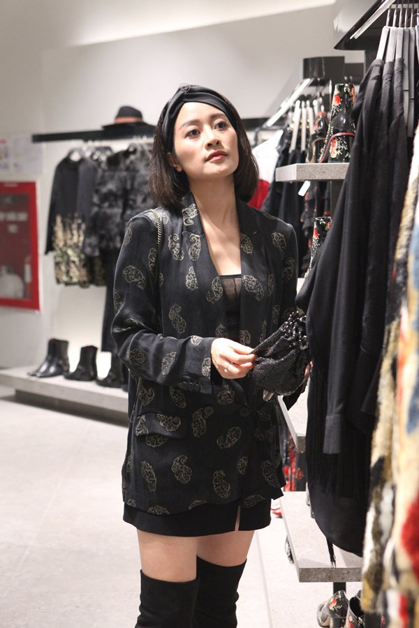 Quyết không kém cạnh H&M, tiệc khai trương Zara Hà Nội ngập sao và tín đồ - 4