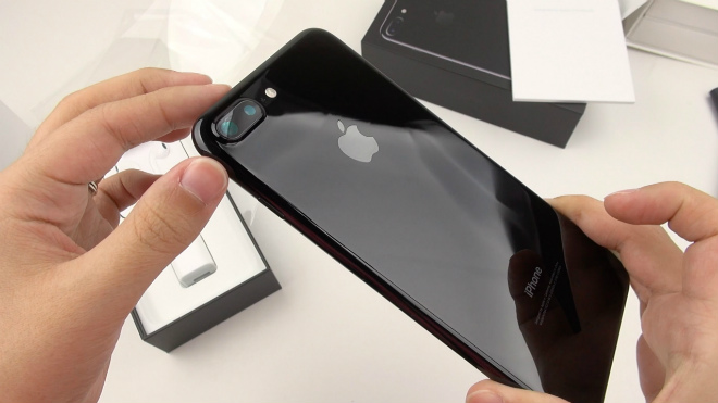 """Apple bị """"tố"""" đạo công nghệ camera kép trên iPhone 7 Plus, 8 Plus - 1"""