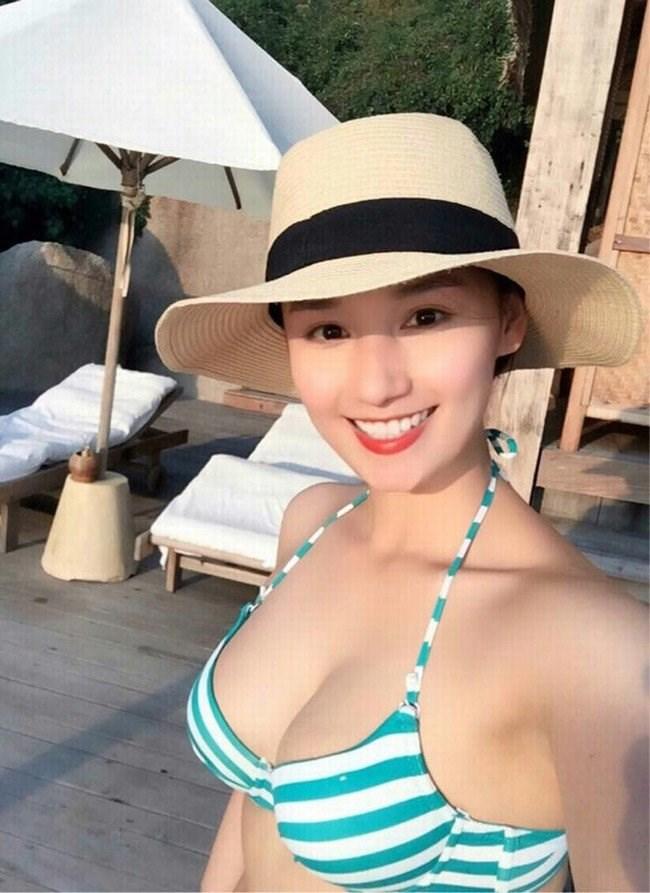 5. Sau khi sinh con, Lã Thanh Huyền ngày càng mặn mà, nóng bỏng.