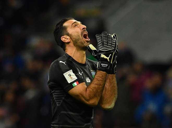 Italia lỡ World Cup: Buffon khóc như mưa, De Rossi mắng HLV - 1