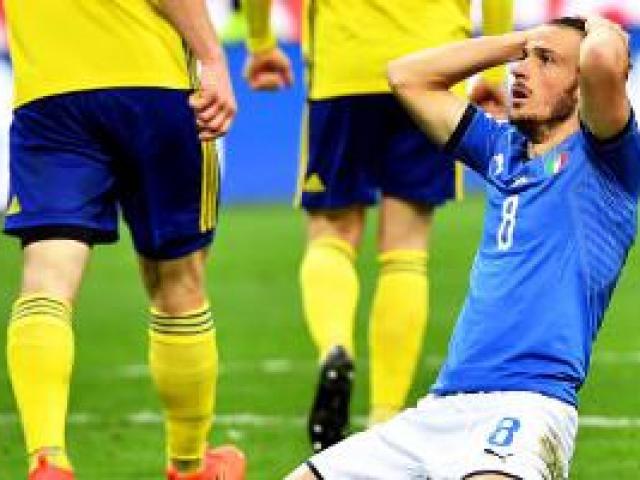 """Italia lỡ hẹn World Cup 2018: Báo chí thế giới coi là """"nỗi nhục thế kỉ"""""""