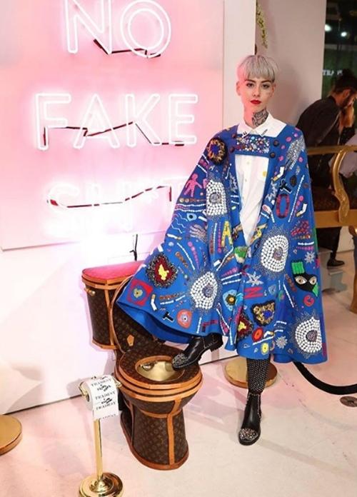 Hơn 2 tỷ cho chiếc bồn cầu từ túi Louis Vuitton, ai dám ngồi? - 5