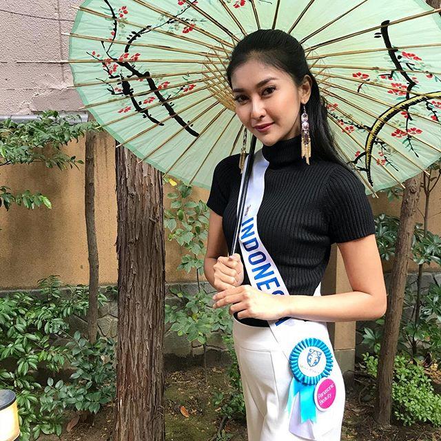 """Đôi mắt """"rắn"""" vẫn lên ngôi thuyết phục của tân Hoa hậu Quốc tế - 7"""