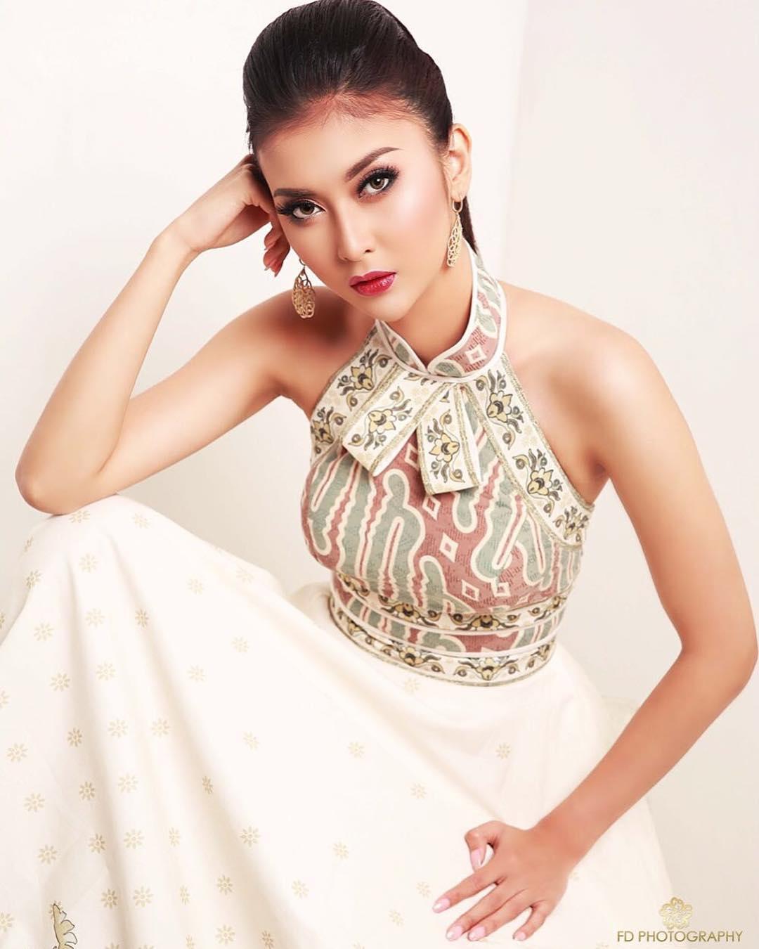 """Đôi mắt """"rắn"""" vẫn lên ngôi thuyết phục của tân Hoa hậu Quốc tế - 3"""