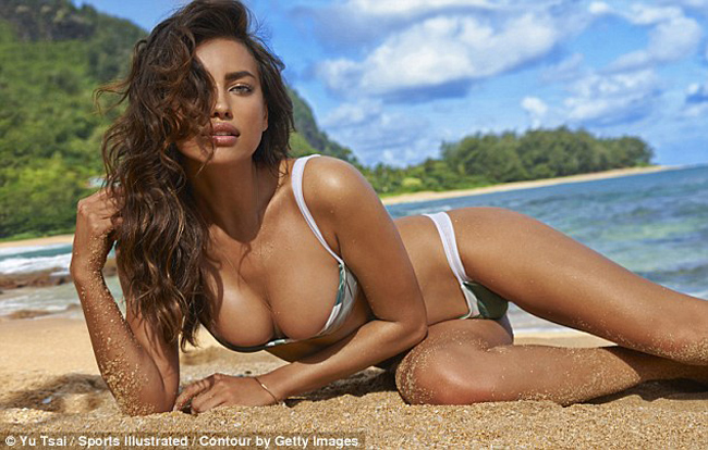 Vì vậy mặc dù được đưa ra mức giá thù lao ngất trời nhưng cô bồ cũ của Ronaldo không chịu chụp hình nude hoàn toàn. Irina chỉ chụp ảnh bikini, nội y hoặc bán nude.