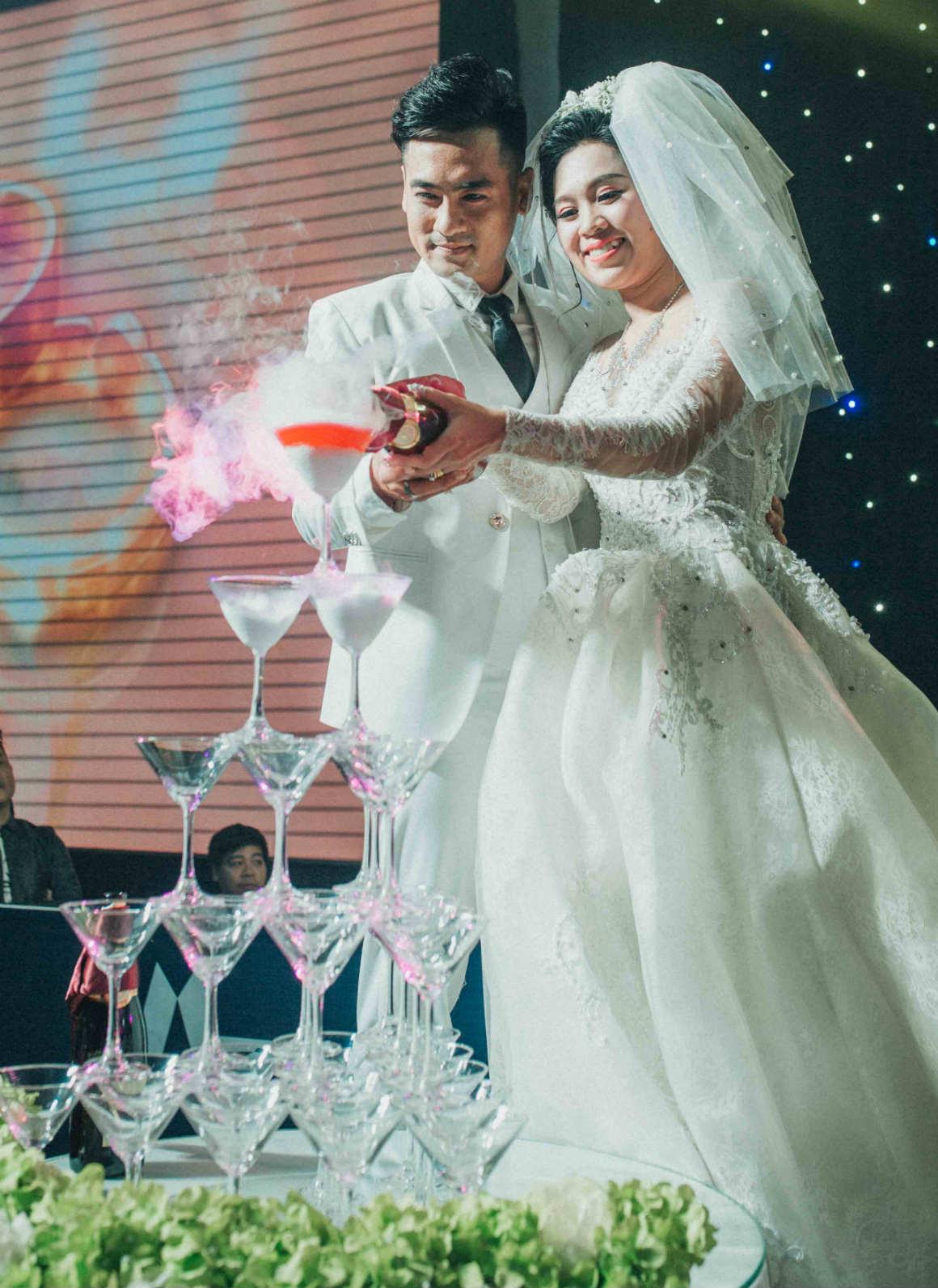 Nghệ sĩ cải lương đình đám Vũ Linh tái ngộ Thoại Mỹ trong đám cưới cháu gái - 1