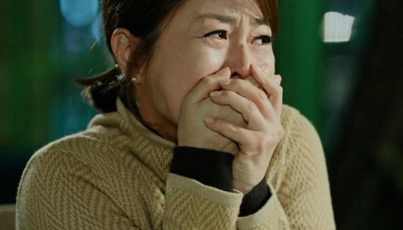 Vợ đau khổ khi phát hiện sự thật khủng khiếp dưới tầng hầm nhà chồng - 1