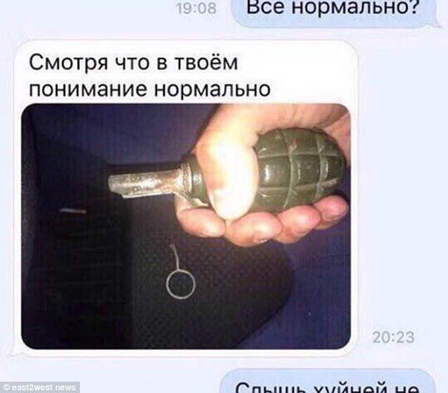 Thanh niên Nga vô tình rút chốt khi chụp ảnh với lựu đạn - 1