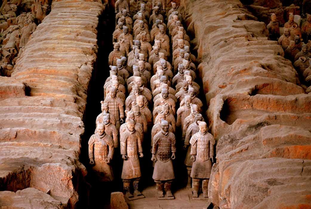 Vũ khí ghê gớm của đội quân đất nung trong mộ Tần Thủy Hoàng - 1