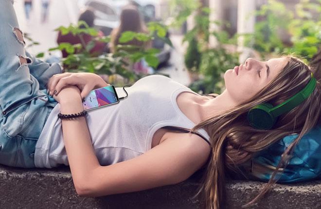 LG V30 mở khóa chào bán tại Mỹ với giá 18,63 triệu đồng - 1