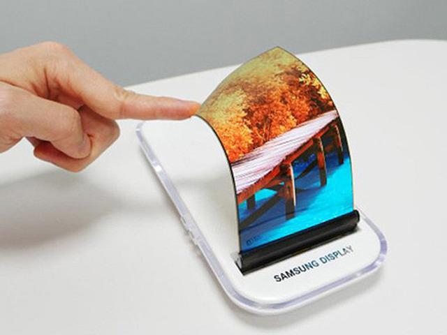 """Samsung sớm tung điện thoại uốn dẻo Galaxy X nhằm """"phủ đầu"""" Apple"""