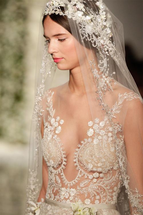 Nàng dâu diện váy cưới như cởi trần liệu có khiến quan khách giật mình? - 13