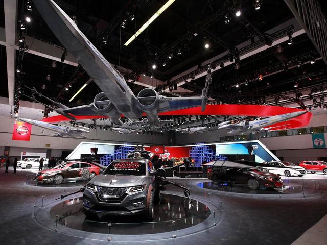 Nissan mang cả thế giới Star Wars đến LA Auto Show - 1