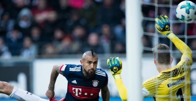 Frankfurt - Bayern Munich: Oằn mình vì khủng hoảng thủ môn - 1