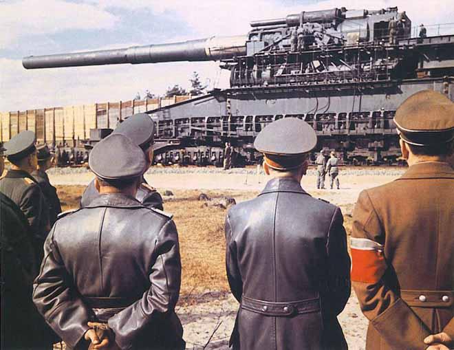 Siêu pháo quái vật 1.500 tấn, to như khủng long của Hitler - 1