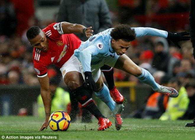 """Derby MU - Man City: Lukaku sai lầm, """"người nhện"""" siêu đẳng - 1"""