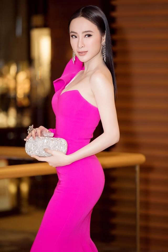 """10 bộ cánh """"gây bão"""" thảm đỏ của Angela Phương Trinh năm 2017 - 13"""