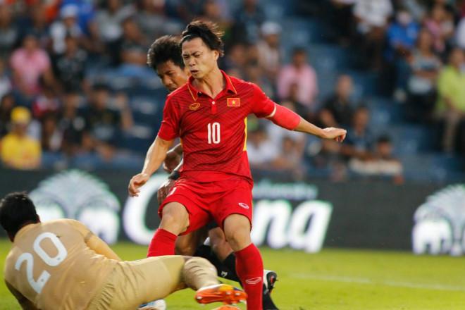 U23 Thái Lan - U23 Việt Nam: Công Phượng đánh đầu hiểm hóc, nã đạn sấm sét - 1