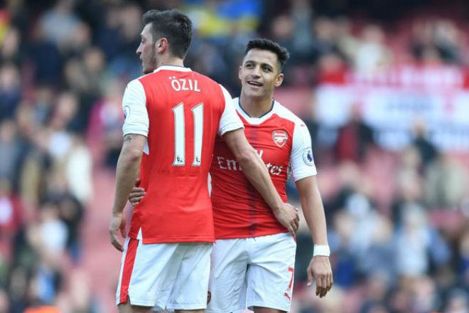 """MU tậu Ozil giá """"rẻ như cho"""", Sanchez tái hợp Pep: Arsenal tan nát - 1"""