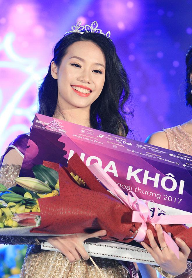 Đã tìm ra hoa khôi của ngôi trường toàn gái xinh ở Hà Nội - 1