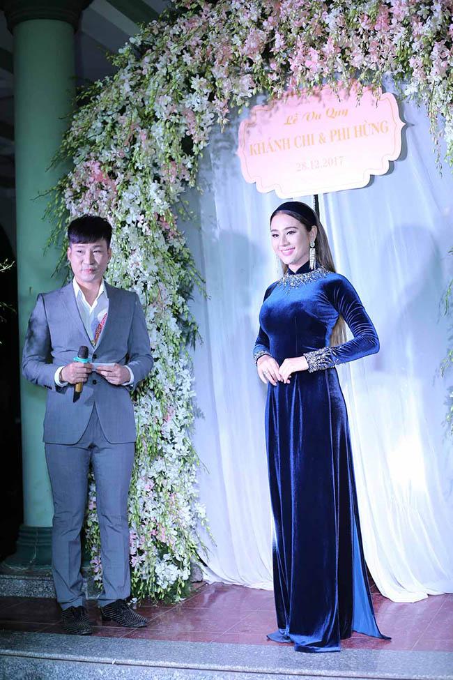 Mẹ Lâm Khánh Chi xúc động dặn dò con gái khi trao của hồi môn - 1