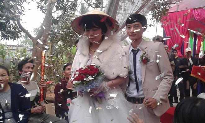 Đám cưới dậy sóng xứ Thanh: Cô dâu lớn hơn chú rể 22 tuổi - 1