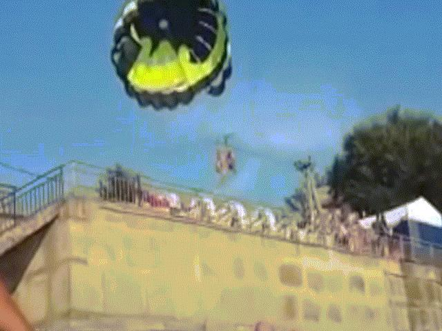 Nhảy dù vướng vào dây điện cao thế giật tung người