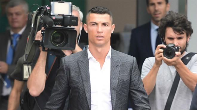 Lộ lý do cực sốc Ronaldo chia tay Real: Vì CR7 không phải vĩ đại nhất - 1
