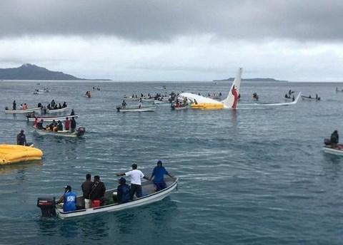 Tình hình 4 công dân Việt Nam trong vụ máy bay lao xuống biển ở Micronesia - 1