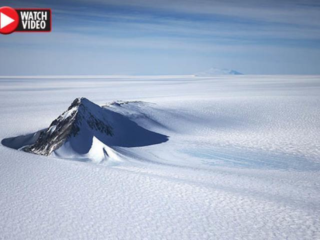 Tín hiệu bí ẩn phóng ra ngoài vũ trụ từ Nam Cực