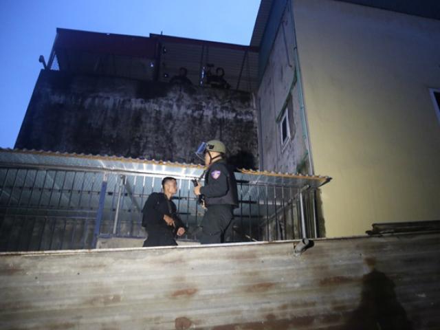 Vì sao công an Nghệ An không nổ súng bắn đối tượng ôm lựu đạn tử thủ?
