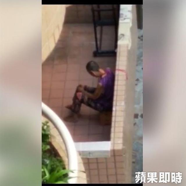 Con dâu trói chặt mẹ chồng ngoài hành lang và thật sự bất ngờ - 1