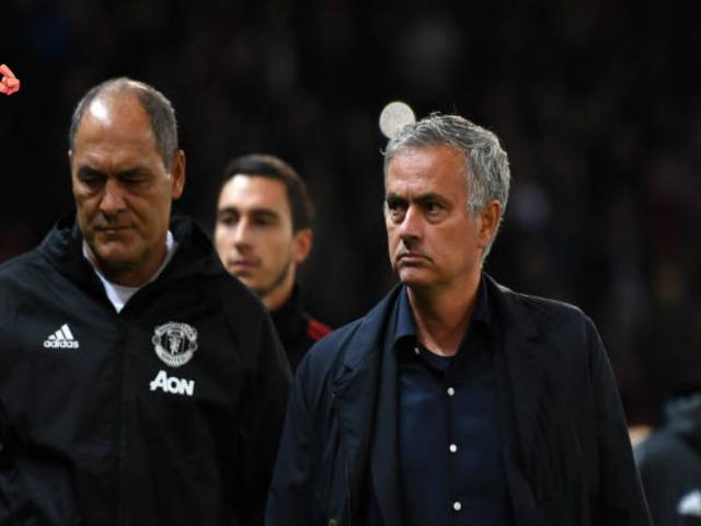 MU 4 trận không thắng: Mourinho trách hàng công, lờ tịt tương lai