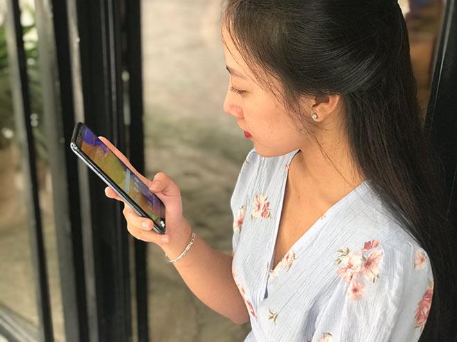 Người trẻ Việt ngày càng chuộng smartphone tầm trung - 1