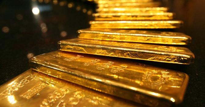 Giá vàng hôm nay 5/10: Vàng gánh áp lực lớn, tiếp tục lao dốc - 1