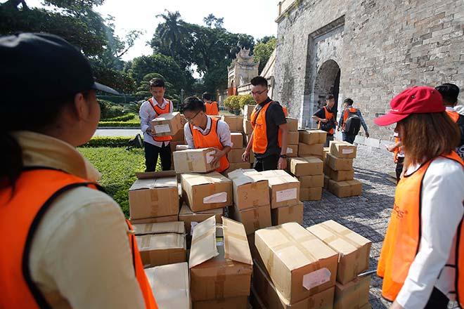 Hà Nội: Xác lập kỷ lục xếp domino 3.000 cuốn sách - 1