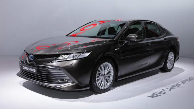 Toyota Camry Hybrid trở lại Châu Âu sau 14 năm vắng bóng - 1
