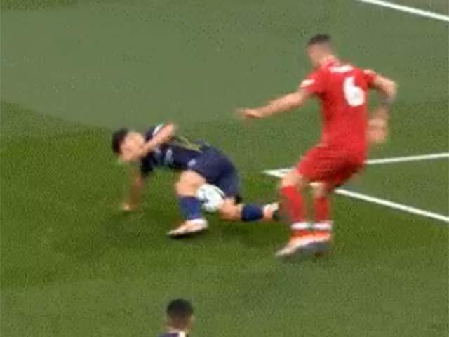 """Nghi án Man City bị trọng tài """"dìm"""": 3 quả penalty rõ ràng bị từ chối"""