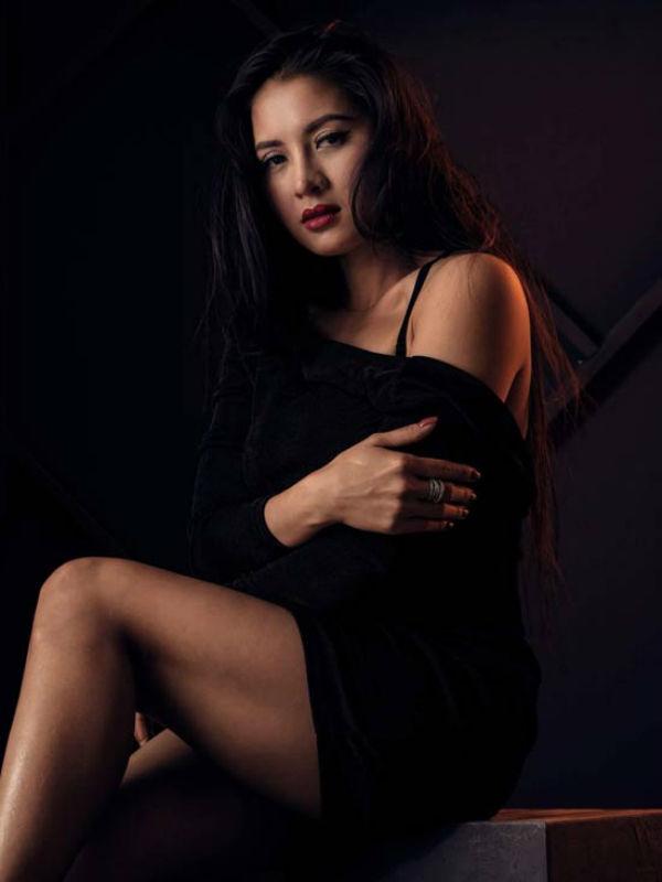 Người đẹp Thái Nhã Vân: Tôi may mắn được người yêu ủng hộ - 1