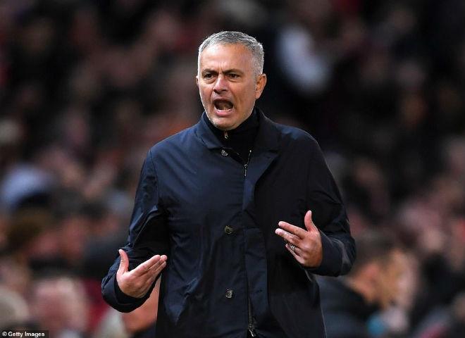 MU ngược dòng: Mourinho chê học trò yếu đuối & bị nghi chửi phóng viên - 1