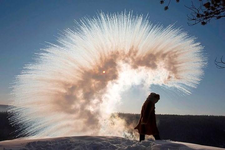 Những hình ảnh ấn tượng về ngôi làng lạnh nhất thế giới - 1