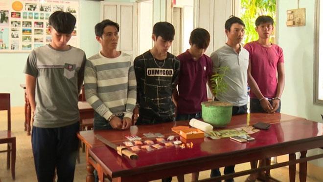 """Phát hiện nhiều ma túy trong nhà """"quý bà"""" ở Phan Thiết - 1"""