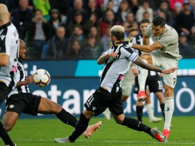 Udinese - Juventus: Ronaldo rực sáng giúp Juventus lập kỷ lục mới - 1