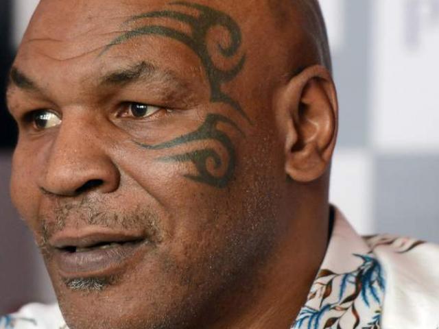 """UFC loạn chưa từng có: Tyson cắn tai cũng """"hãi"""" McGregor - Khabib"""